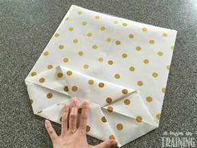 How To Make A Pouch Out Of Paper - how to make a gift bag out of wrapping paper indpakning