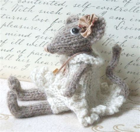mouse knitting pattern mouse shabby chic by violasueknits craftsy
