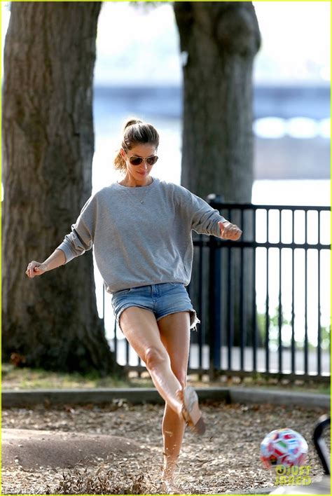 Gisele Bundchen Plays With Balls In by Gisele Bundchen Tom Brady Showcase Their Soccer Skills