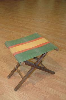 sgabello pieghevole legno sgabello pieghevole in legno e stoffa antiquariato