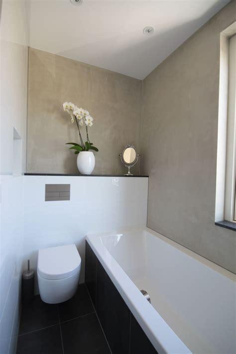badezimmer cubbies badkamer voorzien dubbele wastafel ligbad en