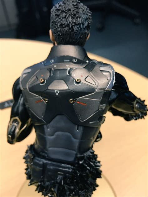 Deus Ex Mankind Divided Collector Edition Statue deus ex mankind divided s collector s edition unboxed by director