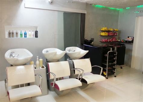 Decoration Salon Onglerie by Decoration Salon De Coiffure Pour Homme