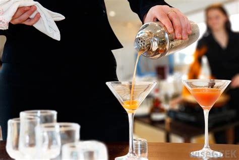 what to serve at cocktail what are the different types of hospitality industry