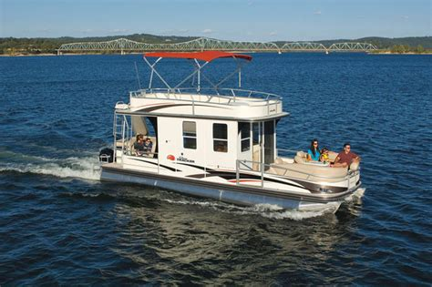 Cabin Pontoon Boat by Research 2010 Sun Tracker Cruiser 32 On Iboats