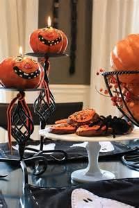 Halloween Table Decoration Ideas 43 Cool Halloween Table D 233 Cor Ideas Digsdigs