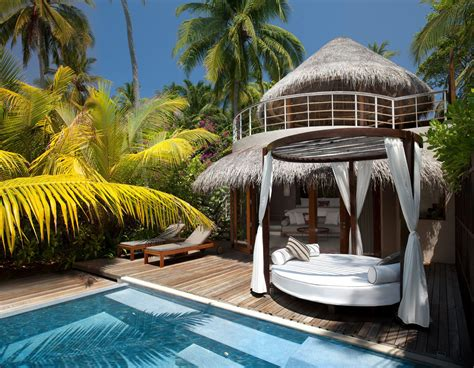 the backyard w hotel the exotic w retreat spa maldives with luxury bungalows
