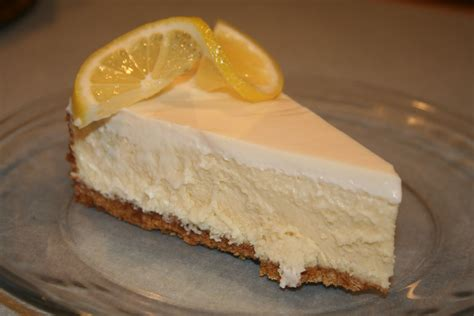 COOK WITH SUSAN: Vanilla Cheesecake with Lemon Sour Cream