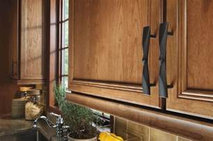 Country Kitchens With White Cabinets Choosing New Cabinet Hardware Pulls And Handles