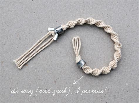 {macramé: half knot spiral} washer & wingnut bracelet   Minieco