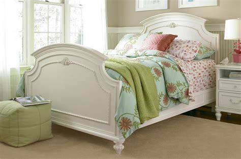 universal gabriella bedroom set gabriella by smartstuff a bedroom set with all the frills