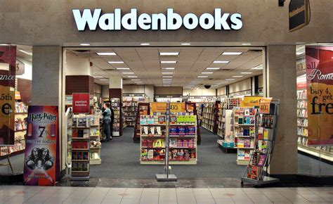 walden books hours 10 stores from the 90s we loved but never actually bought