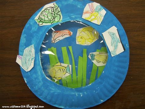 Paper Plate Aquarium Craft - paper plate aquarium week