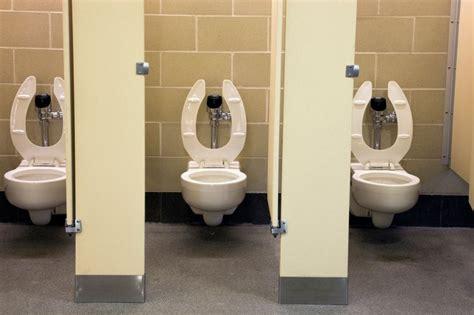 blood loss in the bathroom stall krank vom klo 214 ffentliche toiletten im test