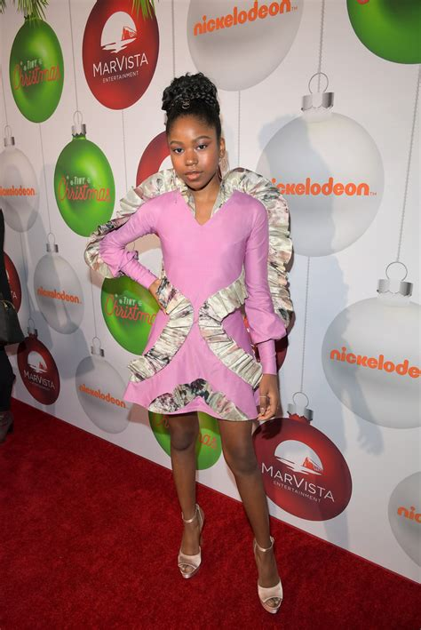 riele downs attends premiere for her new nickelodeon