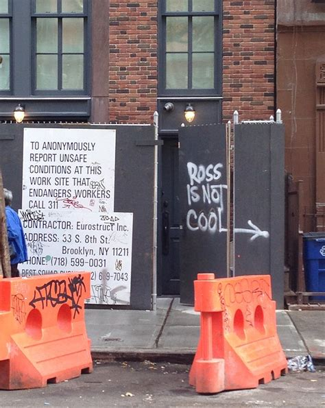 david schwimmer house david schwimmer s fuming neighbors graffiti ross is not cool outside his new york