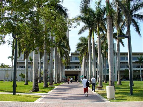 Of Miami Mba Student Profile by Of Miami Sat Scores Acceptance Rate