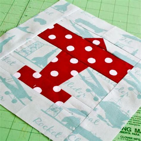 pattern airplane airplane quilt block use as applique shape quiltastic