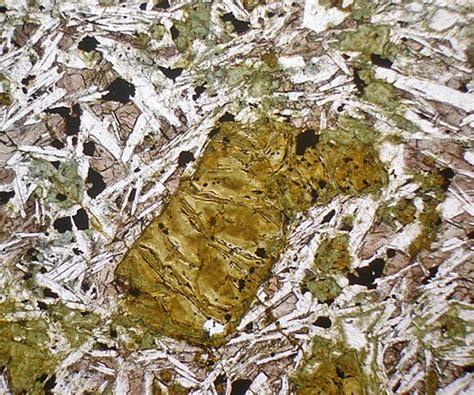 basalt thin section description glen mudle basalt thin section microscope slide geosec