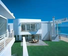Beach House Modern Beach House With Inside Backyard Iroonie Com