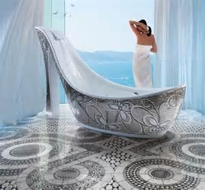 High Bathtub High Heel Bathtub