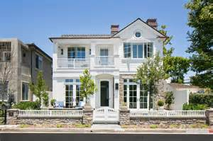 classic house design 17 classic traditional home exterior designs you ll adore