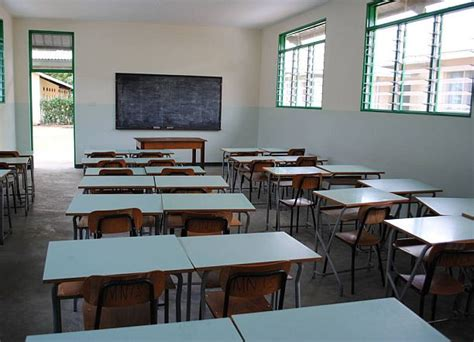banchi di scuola scuola la crisi di nervi dell istruzione egualitaria