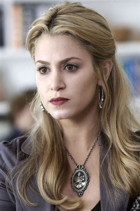 rosalie hairstyle 41 best images about rosalie hale on pinterest long wavy
