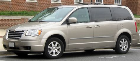 2010 chrysler town and country information and photos momentcar