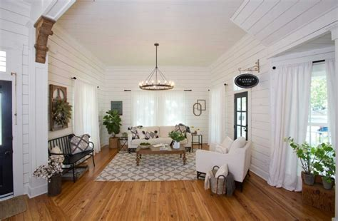 17 best ideas about magnolia realty on pinterest fixer fixer upper lighting ideas magnolia home builders chisel