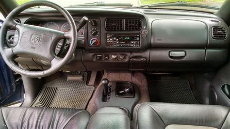 picture of 2000 dodge durango r t 4wd interior