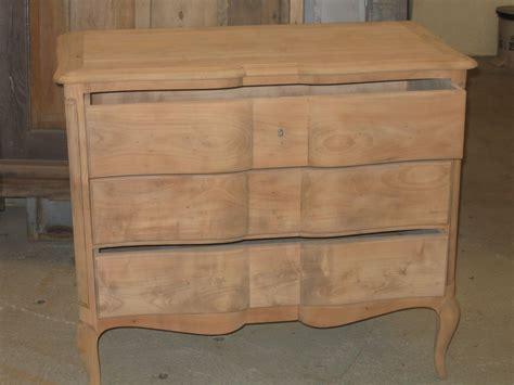 restaurer une commode en bois restaurer meuble en bois great peindre du bois vernis