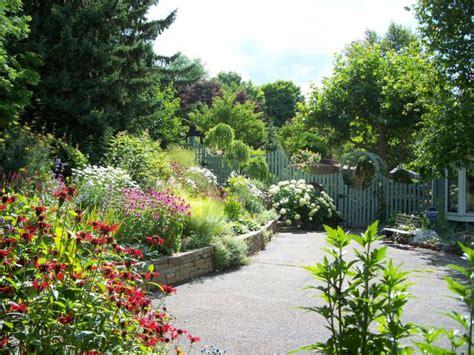 traditional cottage garden flowers 21 summer garden designs decorating ideas design