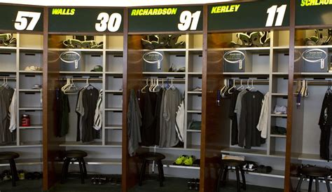nfl locker room inside the jets locker room