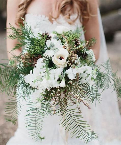 33 Cozy Evergreen Winter Wedding Décor Ideas   Weddingomania