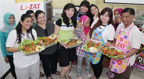 cooking class ayam kodok hands  cooking class