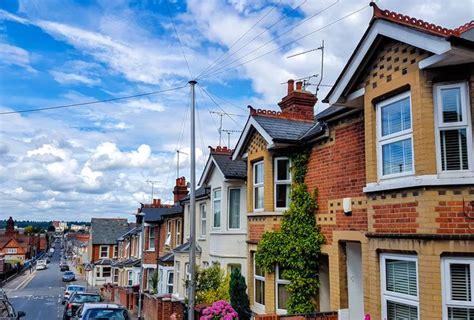 homes in uk englisho aca shrinking british homes emerge as housing crisis worsens