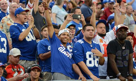new york giants fans video surfaces of giants fans violently assaulting