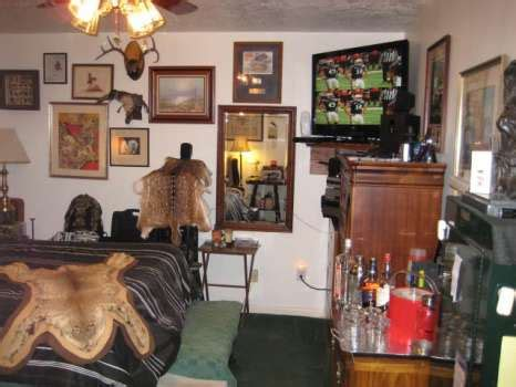 spare bedroom man cave reader contest man caves take the keg houston chronicle
