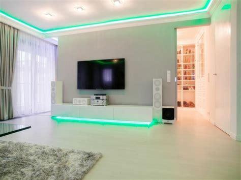 Bien Decoration Porte De Chambre #6: sejour-blanc-moderne-eclaire-led.jpg