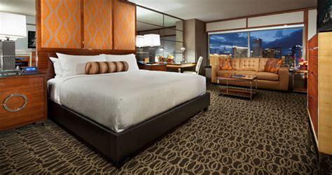 how many rooms mgm grand las vegas mgm grand
