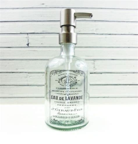 Modern Bathroom Soap Dispenser by Best 25 Modern Bathroom Accessories Ideas On