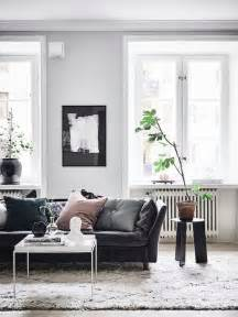 Living Rooms With Black Sofas 25 Best Ideas About Black Leather Sofas On Leather Living Room Brown Black
