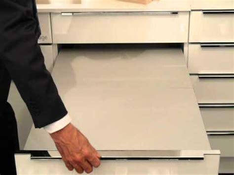 cassetto estraibile tavolo estraibile dal cassetto tecnologia nolte cucine
