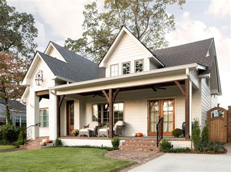 Farmhouse Plans With Front Porch by Best 25 Modern Farmhouse Exterior Ideas On