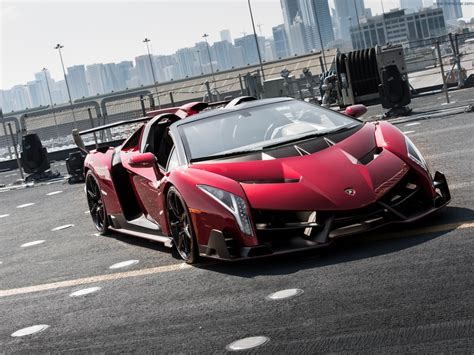 lamborghini veneno roadster      kind car