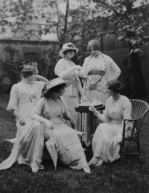 the belle poque 1890 to 1914 grand ladies gogm 1912 photograph of women in lucile tea apparel grand