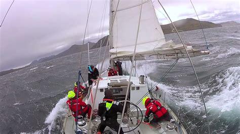 sailboat in storm skip novak s storm sailing techniques part 3 storm sails