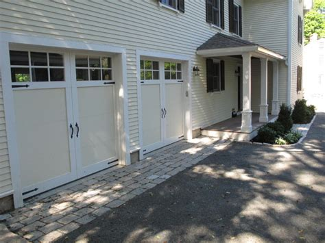 cobblestone and dust driveway traditional garage