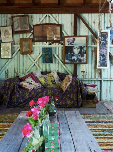 eclectic boho decor home decorating ideas dishfunctional designs create an eclectic gallery wall